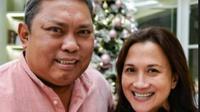 Dian Sastro, melepas kepergian mertuanya itu dengan mengunggah potret Adiguna Sutowo yang meninggal dunia dalam usia 62 tahun (https://www.instagram.com/p/CNyw8tyhx-J/)