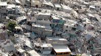 gempa bumi tersebut pun turut menyebakan 895 ribu warga Haiti kehilangan tempat tinggal.