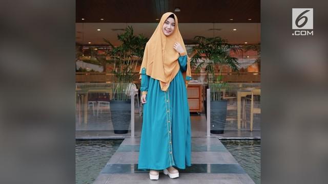 Sejak memutuskan berhijab, penampilan Anisa Rahma semakin disorot. Berikut penampilan sang pengantin baru dari masa ke masa.