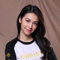 Selain punya senyum manis dan wajah yang cantik, Velove Vexia juga punya hidung yang mancung. (Adrian Putra/Bintang.com)