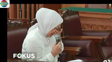 Saat membacakan nota pembelaan, terdakwa Ratna Sarumpaet sempat menangis lantaran tidak terima terhadap tuntutan JPU.