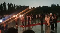 Presiden Joko Widodo memimpin apel renungan suci di TMP Kalibata dalam rangka HUT ke-74 RI. (Nanda Perdana Putra)
