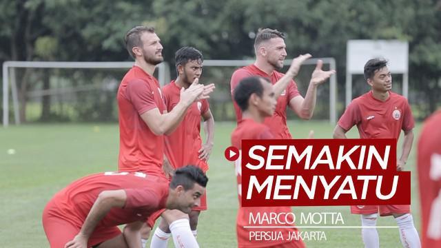 Berita video pemain anyar Marco Motta tampak semakin menyatu dan akrab di tim Persija Jakarta.