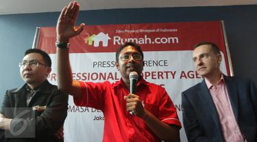 Wasudewan Country General Manager Rumah.com (tengah) saat berbicara pada acara Professional Property Agent Summit yang bertemakan  Masa Depan Properti Indonesia di Jakarta, (10/12). (Liputan6.com/Faisal R Syam)