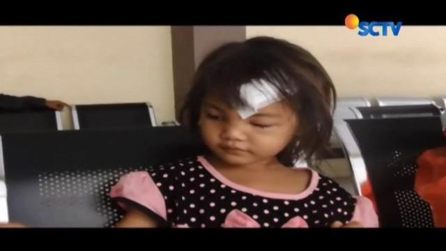 Bocah korban hantaman palu sang ayah, Marcel (7) dan April (5), masih dirawat di Rumah Sakit Umum Drajat Prawiranegara, Serang, Banten.
