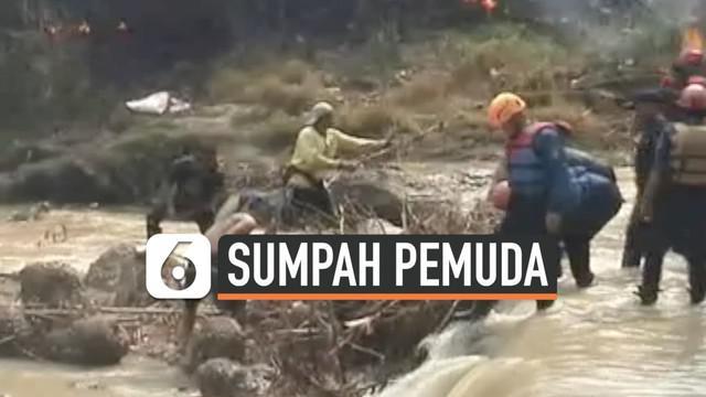 Dalam rangka memperingati Hari Sumpah Pemuda ribuan warga Purwakarta, Jawa Barat turun ke daerah aliran sungai Cilamaya untuk melakukan gerakan bersih sungai.
