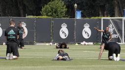 Pemain Real Madrid menjalani latihan di Los Angeles, AS, Rabu (12/7/2017). Real Madrid akan menghadapi Manchester United dan Manchester City pada laga turnamen International Championship Cup. (EPA/Mike Nelson)