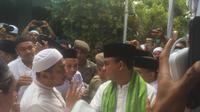 Gubernur DKI Jakarta Anies Baswedan di Masjid Al Mansur, Jakarta Barat, Minggu (22/10/2017). (Liputan6.com/Delvira Chaerani Hutabarat)