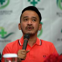 Ruben Onsu juga melakukan breastfeeding agar anaknya dekat dengan anaknya. (Deki Prayoga/Bintang.com)