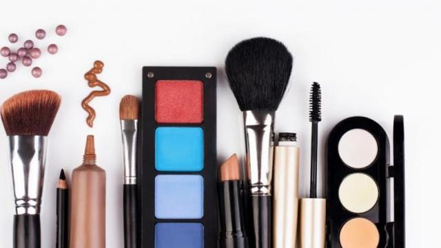 7 Alat Makeup Yang Harus Dimiliki Pemula Lifestyle Liputan6com