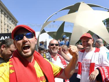 Fans Liverpool Mulai Ramaikan Kiev Jelang Final Liga Champions
