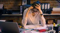 ilustrasi stres pekerjaan/copyright By TORWAISTUDIO (Shutterstock)