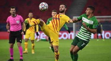 Lionel Messi Absen, Barcelona Menang Mudah Lawan Ferencvaros di Puskas Arena