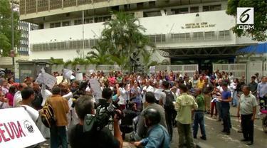 Dokter dan sejumlah pasien di Venezuela turun ke jalanan memprotes buruknya layanan kesehatan.