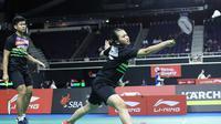 Ganda campuran Indonesia, Praveen Jordan/Melati Daeva Oktavianti, saat bertanding di Singapura Terbuka 2019. (PBSI)