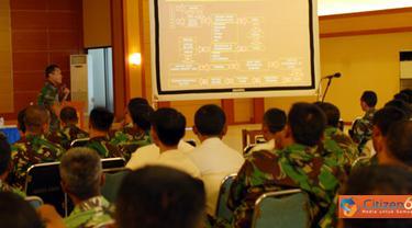 Citizen6, Surabaya: Penyegaran dan penyuluhan hukum tersebut, disampaikan Kepala Sub Bagian Bantuan Hukum (Kasubagkum) Bagkum, Kobangdikal Mayor Laut (KH) Yopi Roberti Riry. (Pengirim: Penkobangdikal)