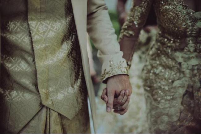 (c) Tirtha Bridal