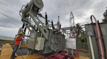 Intip Kerja Gardu Induk Pulau Ngenang di Kepulauan Riau (PLN)