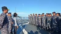 Menteri Kelautan dan Perikanan Susi Pudjiastuti turun langsung ke laut dalam operasi pemberantasan illegal fishing di Laut Natuna Utara. Dok KKP
