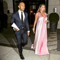 Chrissy Teigen dan John Legend pun mengumumkan bahwa anak kedua mereka sudah lahir. (instagramm/chrissyteigen)