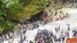 Citizen6, Makasar: Selain pemandangan alamnya yang indah, pengunjung juga dimanjakan dengan kesegaran air terjunnya. (Pengirim: Andi nur)