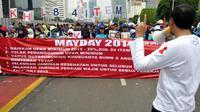 Menteri Ketenagakerjaan Hanif Dhakiri meminta kepada buruh untuk mengisi peringatan Hari Buruh Internasional yang jatuh tiap 1 Mei
