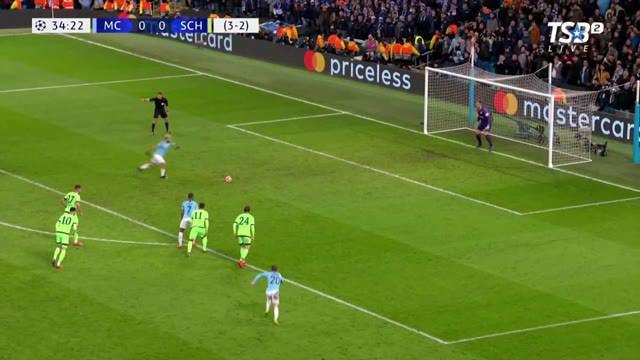 Berita video highlights leg II babak 16 besar Liga Champions 2018-2019 antara Manchester City melawan Schalke di Etihad Stadium yang berakhir dengan skor 7-0, Selasa (12/3/2019).