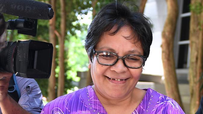 Nenek Australia, Maria Elvira Pinto Exposto setelah persidangan kasus narkoba di Pengadilan Federal di Putrajaya, Kuala Lumpur, Selasa (26/11/2019). Maria lolos dari hukuman mati terkait kasus narkoba di Malaysia usai permohonan banding terakhirnya dikabulkan dan akan dibebaskan. (Mohd RASFAN/AFP)
