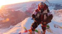 Nirmal Purja, mantan tentara asal Nepal berhasil mendaki  14 pegunungan dalam waktu 6 bulan. (Source: AFP)