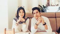Zikri Daulay dan calon istri, Henny Yuliana Rahman. (Instagram: @zikridaulay1)