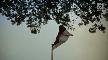 Gedung Pancasila dan Ilustrasi Bendera Indonesia (Liputan6.com/Gempur M Surya)