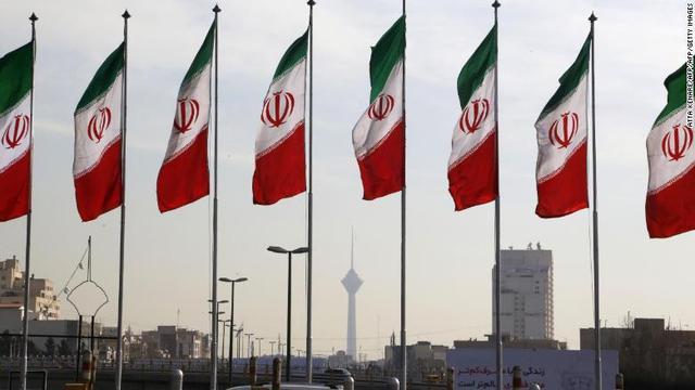 Bendera Iran (Atta Kenare / AFP PHOTO)