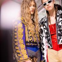 Tampilan kontras penuh makna di balik koleksi Louis Vuitton di Paris Fashion Week. (Foto: Instagram/ Louis Vuitton)
