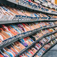 Apakah boleh menyimpan sneakers di dalam kotak? (Foto: Unsplash.com/ Stanislav Kondratiev