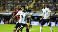 Manuel Lanzini batal membela Timnas Argentina di Piala Dunia 2018 karena mengalami cedera lutut. (AP/Victor R. Caivano)