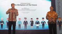 Group ISS Chief Marketing Officer/Head of Group Marketing Peter Ankerstjerne, yang juga Anggota Dewan Penasihat International Facility Management Association (kiri) dan Presiden Direktur dan CEO ISS Indonesia Elisa Lumbantoruan (kanan) saat jadi pembicara
