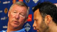 Mantan manajer Manchester United, Sir Alex Ferguson (kiri), bersama Ryan Giggs (kanan). (AFP/Rajesh Jantilal)