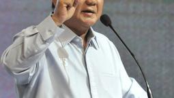 Capres nomor urut 02 Prabowo Subianto memberi sambutan saat peringatan Hari Disabilitas Internasional ke-26 di Jakarta, Rabu (5/12). Acara ini dihadiri ratusan anggota Komunitas Disabilitas Indonesia dari berbagai daerah. (Merdeka.com/Iqbal Nugroho)