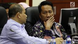 Ketua Baleg DPR Supratman Andi Agtas  memimpin Rapat Dengar Pendapat Umum (RDPU) dengan Ikatan Dokter Indonesia (IDI) di Kompleks Parlemen, Jakarta, Senin (2/4). (Liputan6.com/JohanTallo)