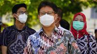 Menteri Kesehatan RI Budi Gunadi Sadikin mengunjungi lokasi persiapan untuk vaksinasi massal COVID-19 di Yogyakarta pada 21 Februari 2021. (Dok Kementerian Kesehatan RI)
