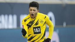 Jadon Sancho. Pindah dari Manchester City ke Borussia Dortmund saat berusia 17 tahun pada musim panas 2017. Hanya butuh dua bulan untuk melakukan debut bersama tim utama. Musim ini merupakan pemain andalan yang diincar banyak klub elit Eropa. (AFP/Leon Kuegeler/Pool)