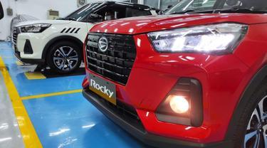 Tampilan grill yang sporty dari Daihatsu Rocky (Arief A/Liputan6.com)