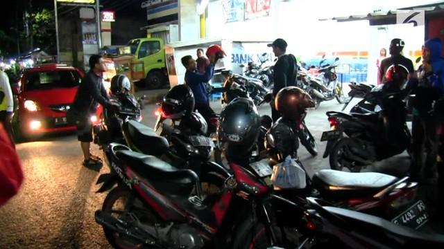 Tim Densus 88 Anti Teror kembali menangkap seorang terduga teroris asal Cirebon, Jawa Barat, Rabu dinihari.