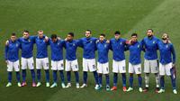Tim Italia berfoto bersama menjelang laga Grup A Euro 2020 melawan Wales di Olimpico Stadium, Roma, Minggu (20/6/2021) malam WIB. (Foto: AFP/Pool/Ryan Pierse)