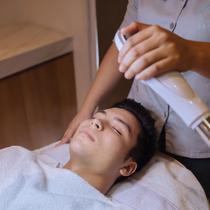Treatment favorit pria di klinik kecantikan. (dok. MOII Aesthetic Clinic Bali)