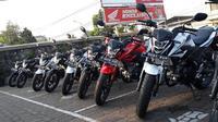 Motor sport 150 cc ini menjadi teman perjalanan dari Bandung menuju Pangandaran sejauh 291,1 km.