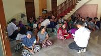 Seluruh 42 calon PMI ditampung di rumah mewah berlantai dua di Bekasi.