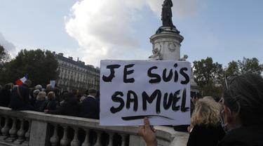 Kecam Pemenggalan Guru, Ribuan Warga Prancis Demo
