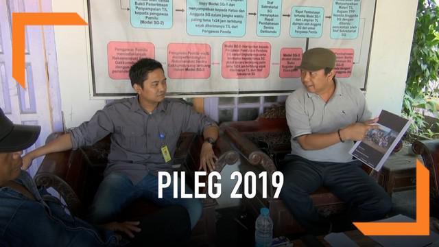 Perwakilan Partai Demokrat Kabupaten Subang melapor ke Panwaslu tentang dugaan adanya kecurangan dalam Pileg 2019.
