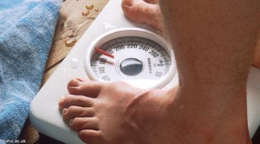 ukur-berat-badan-130708-b.jpg